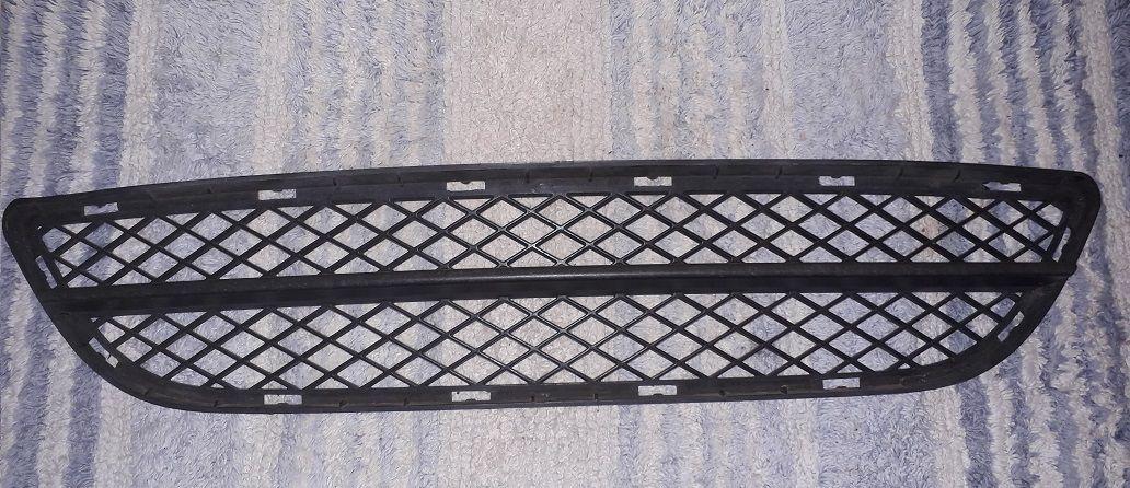 Bmw 3 E90+E91 mřížka střední otevřená