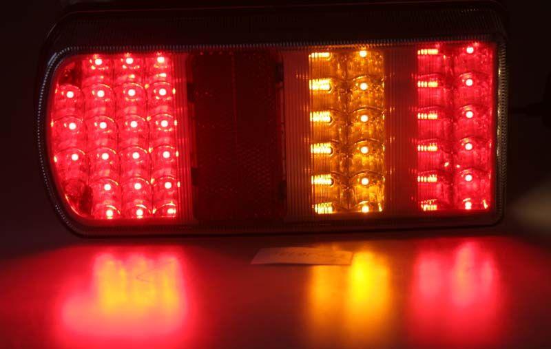 sdružená LED lampa zadní levá..